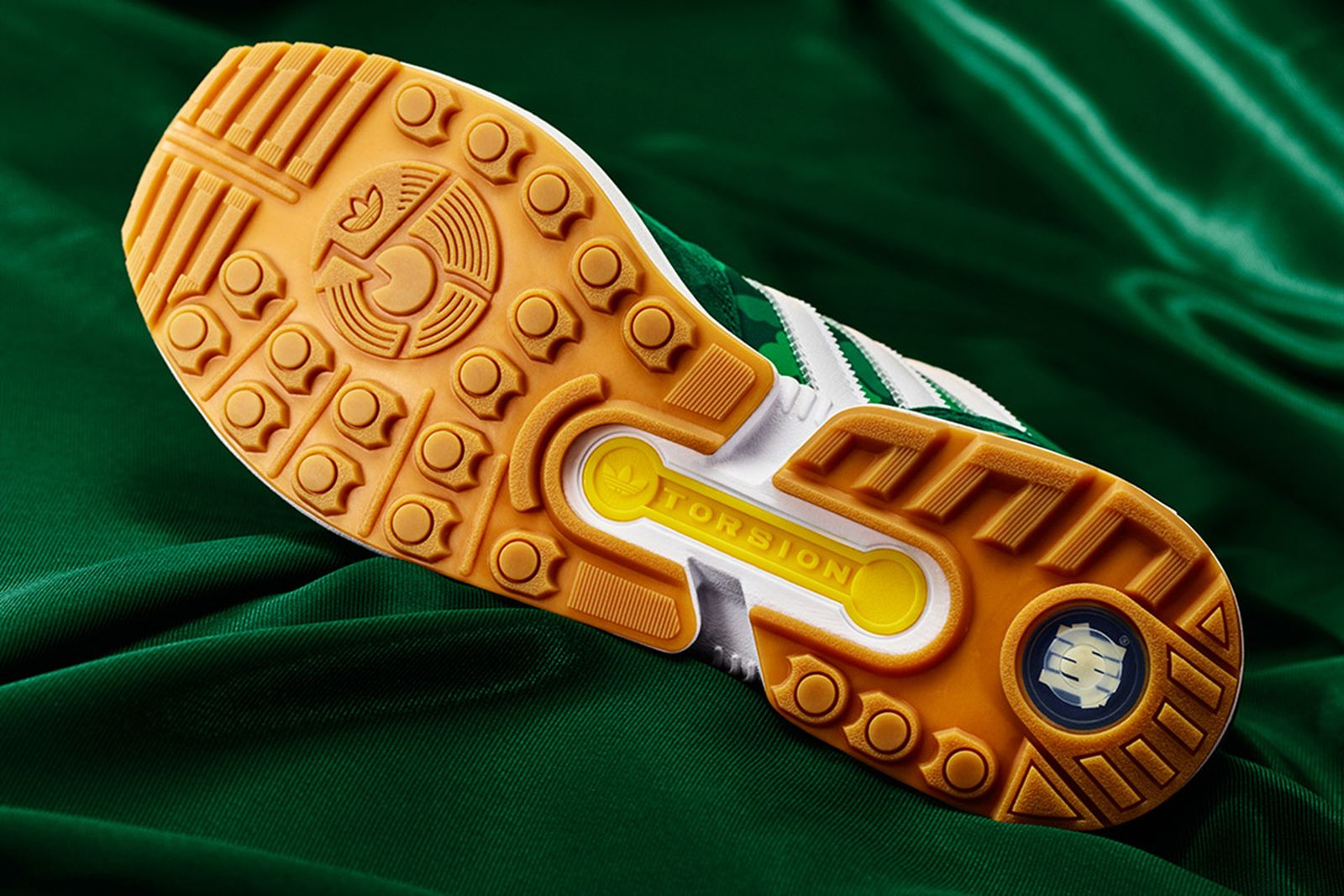 bape-x-adidas-zx8000-02