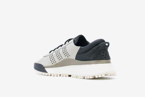 Hike Low Sneakers
