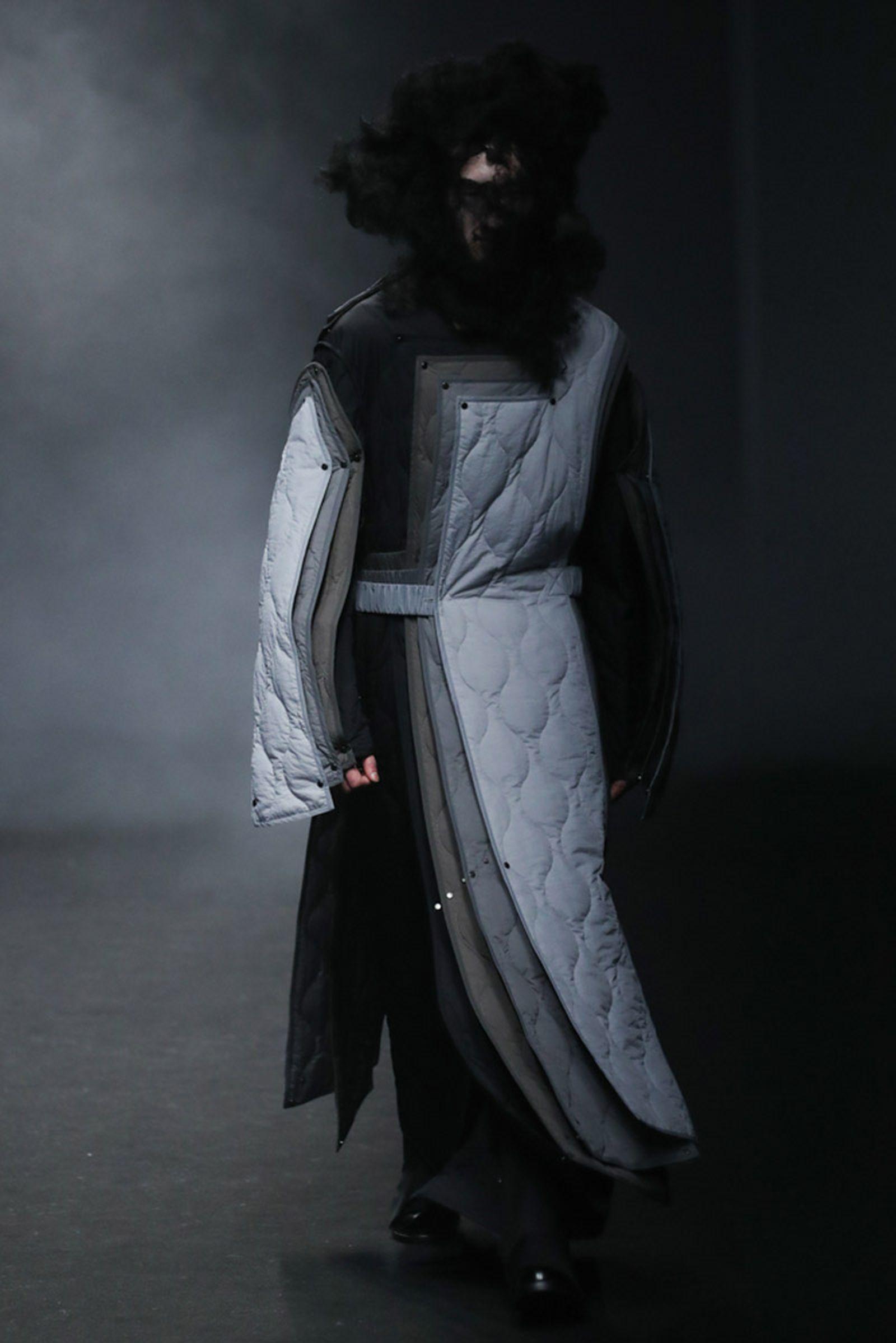 ron english welcome wall us mexico KANGHYUK rare market seoul fashion week