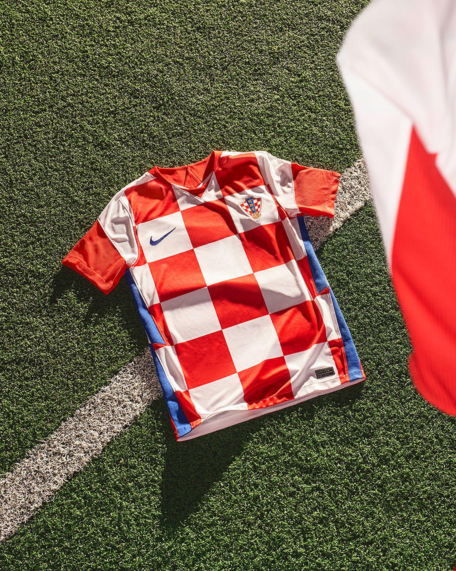 euro-2020-jersey-roundtable-ranking-012