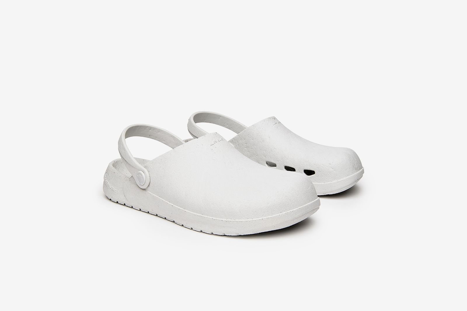 ales-grey-rodeo-drive-slip-on-1-05