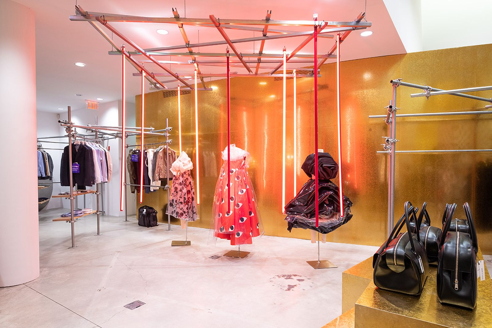 game-changers-best-store-interiors-changed-fashion-cdg-new-02