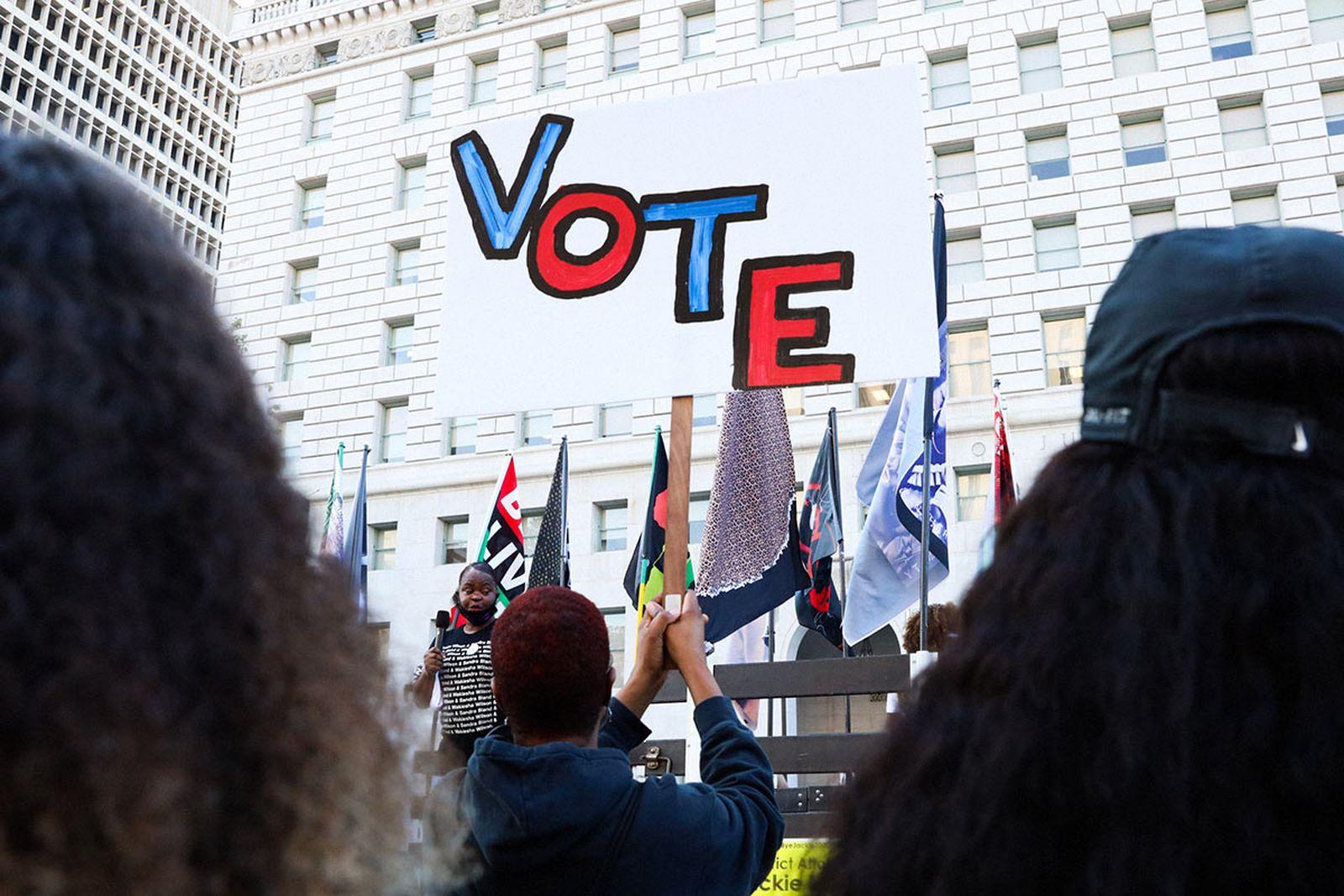 finances-political-campaigns-care-01