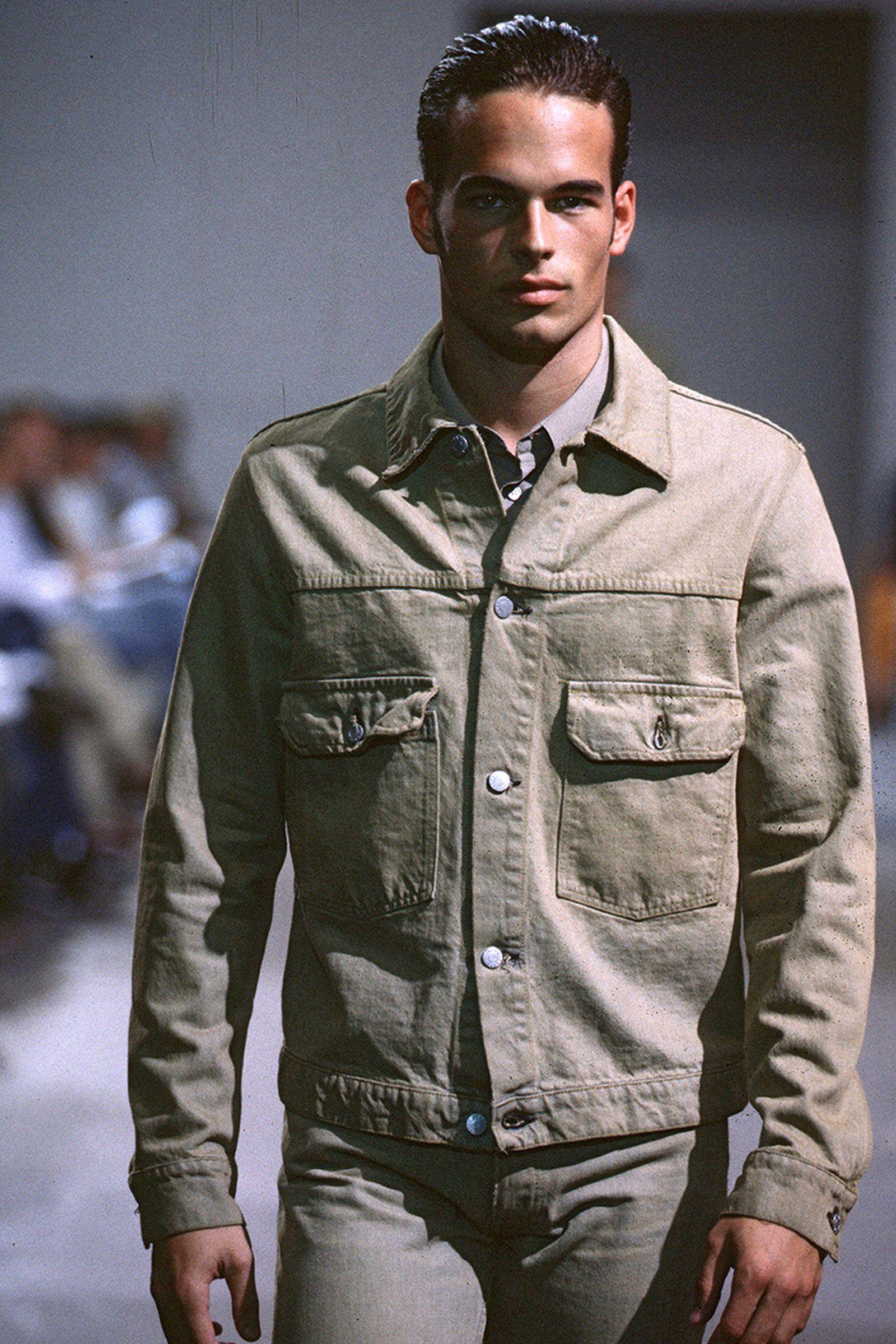 the-12-fashion-shows-that-changed-mens-fashion-014