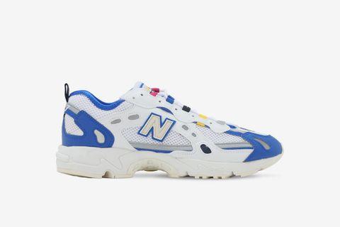 827 Sneakers