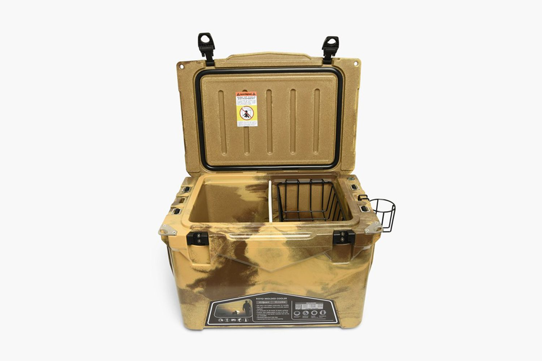 NHIC . 35QT / P-COOLER BOX