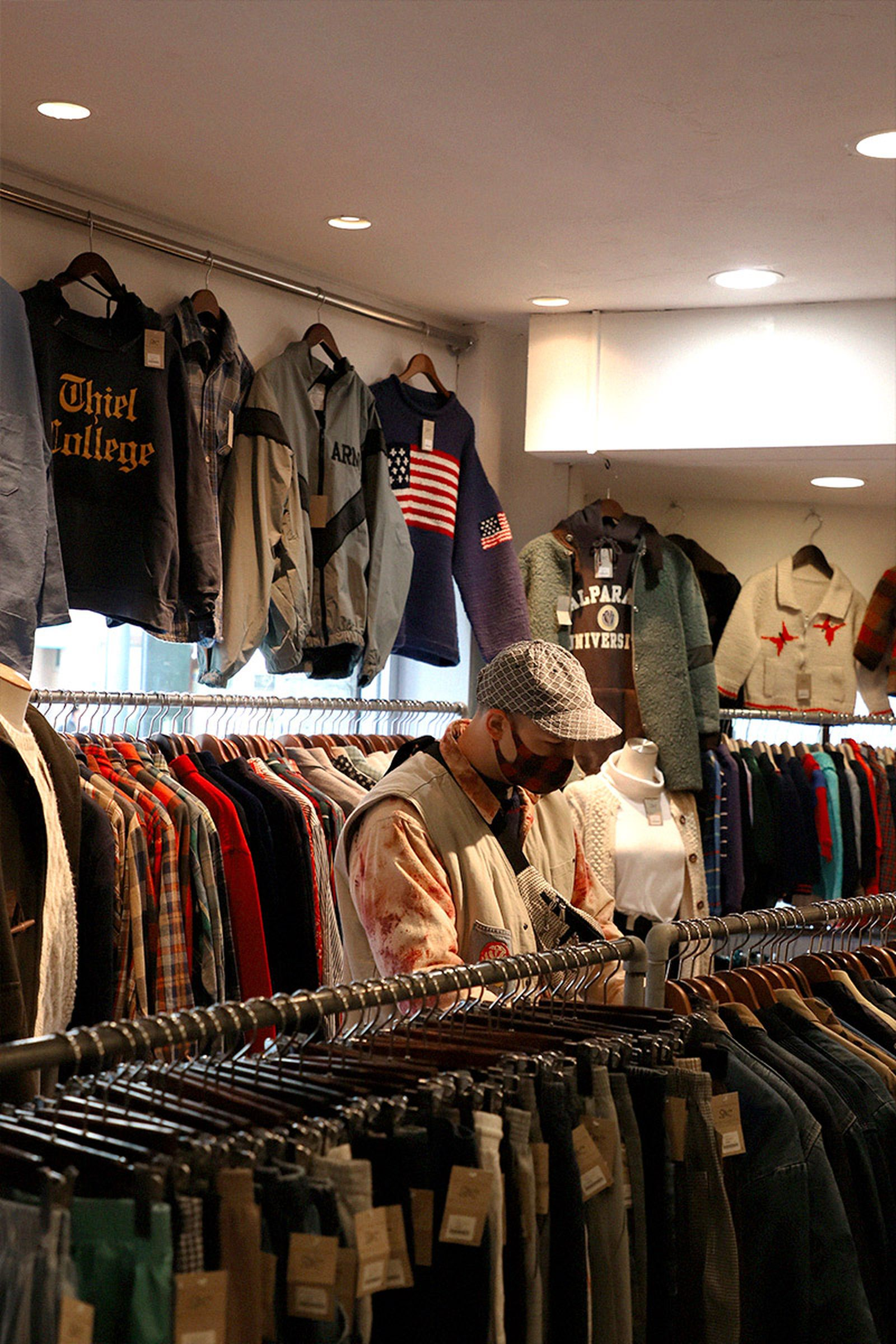 tokyo-best-vintage-store-guide-woolrich-slut-01