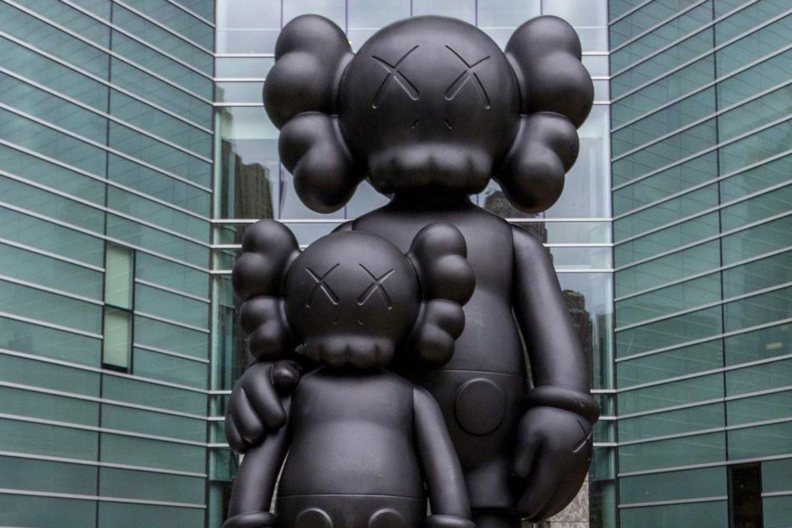 kaws-detroit-sculpture-1