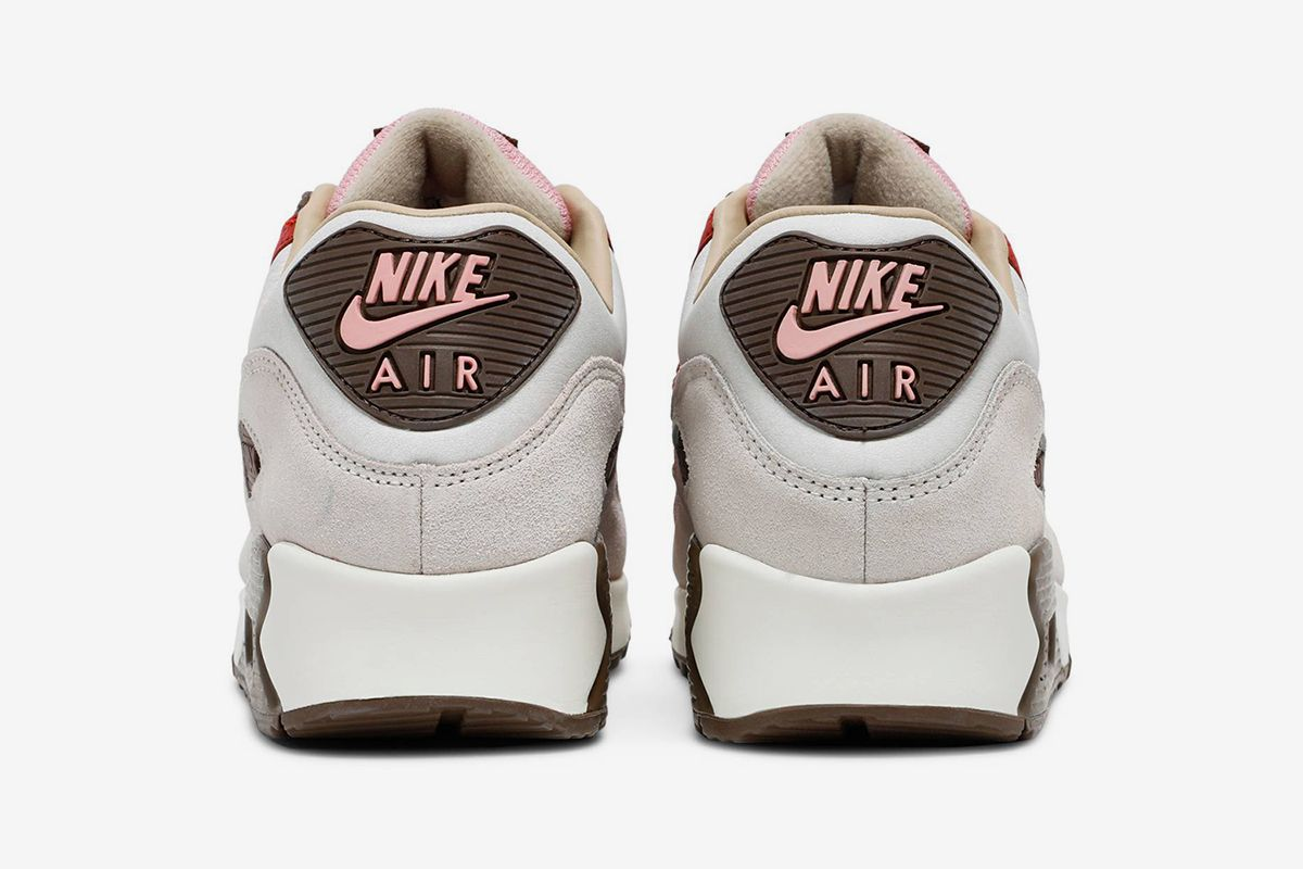 """Nike Air Max 90 """"Bacon"""" Is Finally Returning & Other Sneaker News Worth a Read 57"""