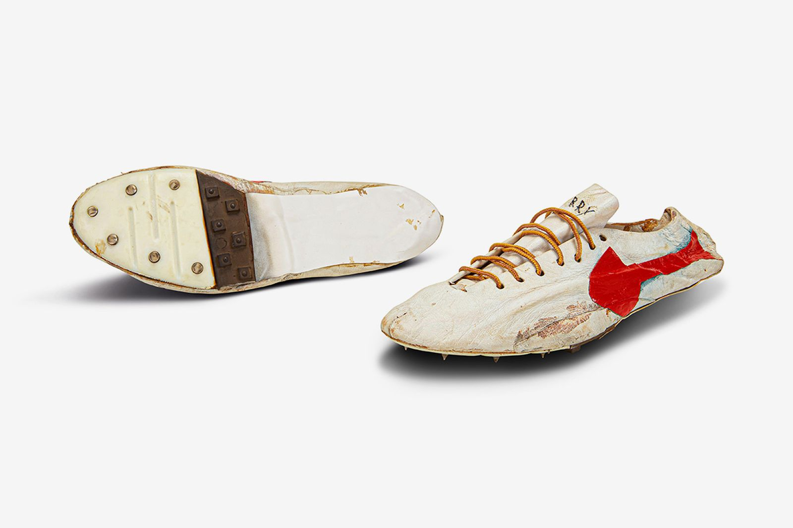 bill-bowerman-track-spikes-sothebys-olympic-auction-02