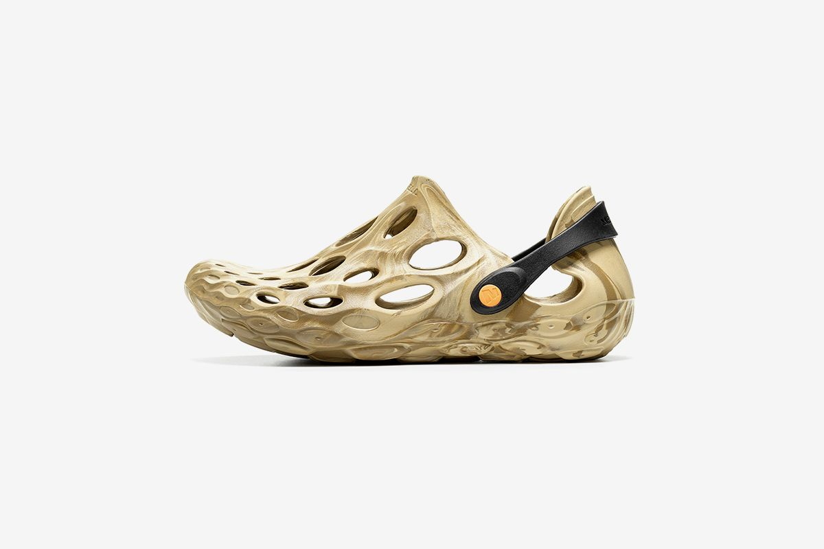 Merrell Hydro Moc Is Your YEEZY FOAM RNNR Alternative & Other Sneaker News Worth a Read 38