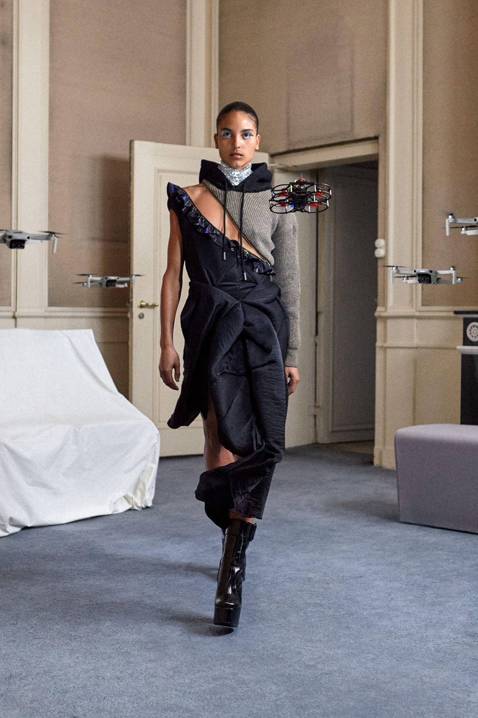 duran-lantink-drone-runway-show-fw21- (16)
