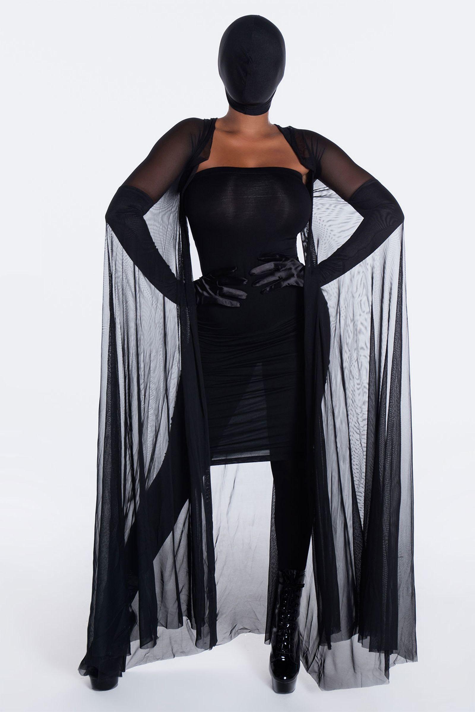 kim-kardashian-halloween-costume-01
