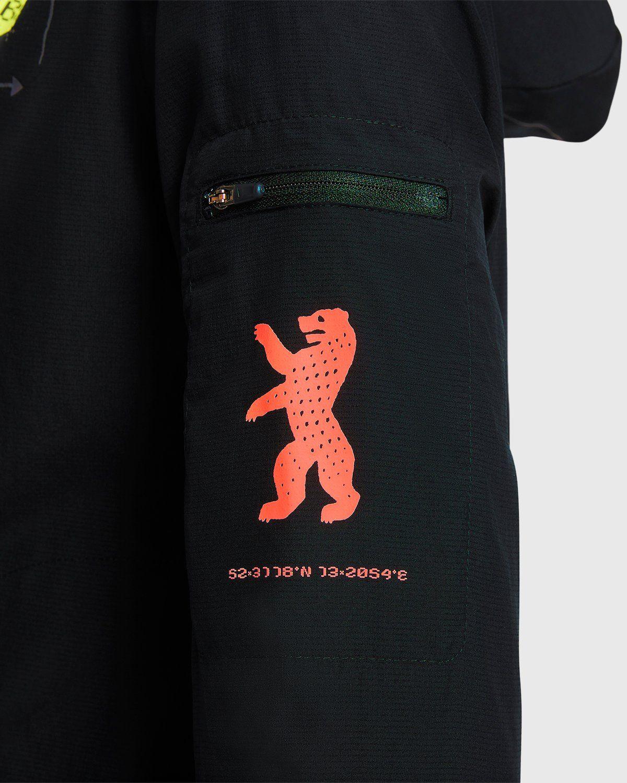 Nike x Highsnobiety – Womens Impossibly Light Berlin Jacket Black - Image 5