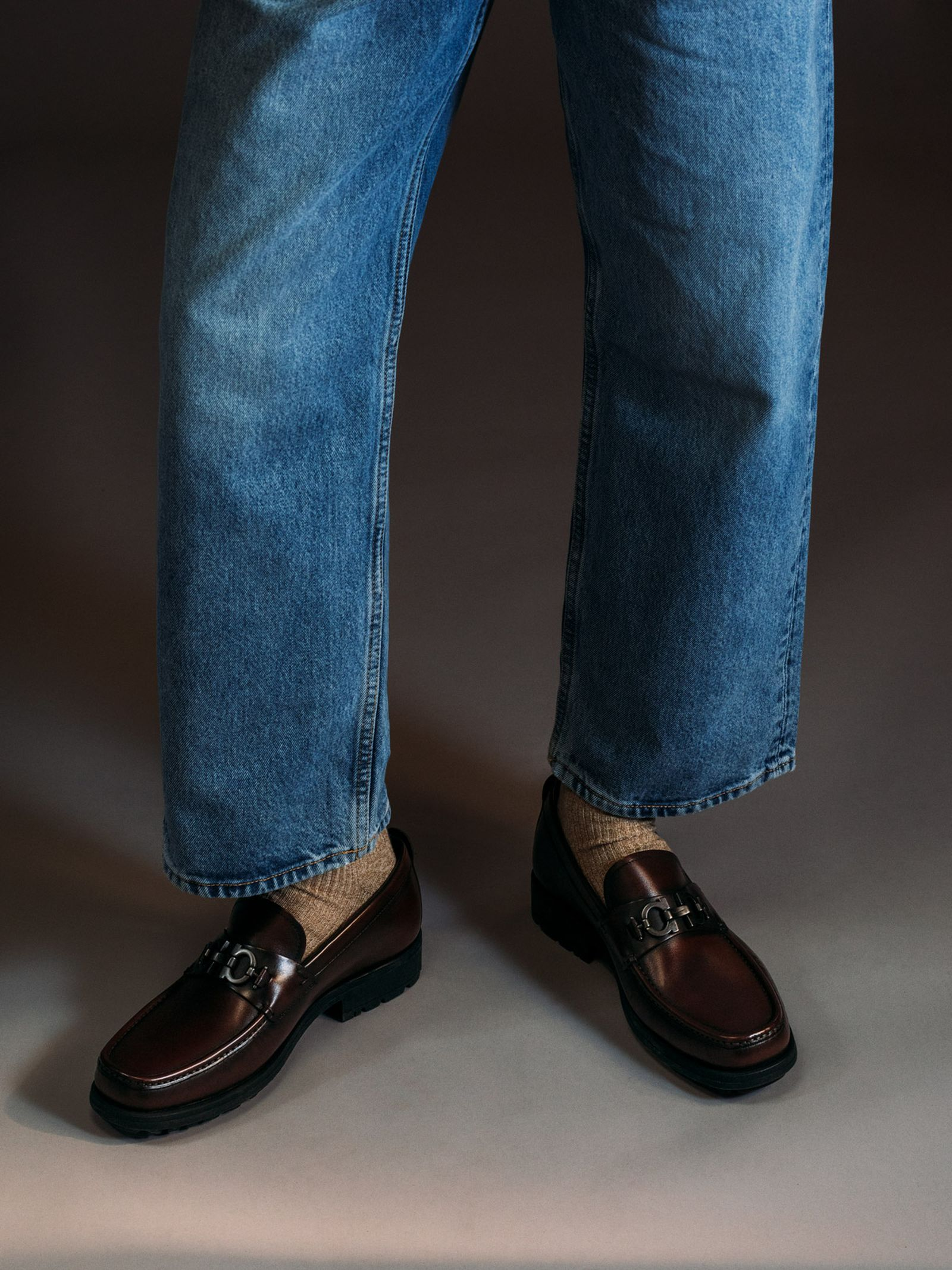 ferragamo-footwear-style-guide-09