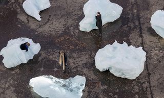 """Olafur Eliasson's """"Ice Watch"""" Exhibit Lays Bare the Reality of Climate Change"""