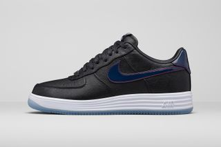 separation shoes 5d553 b61ee Nike to Release New England Patriots-Inspired Lunar Force 1s This Week