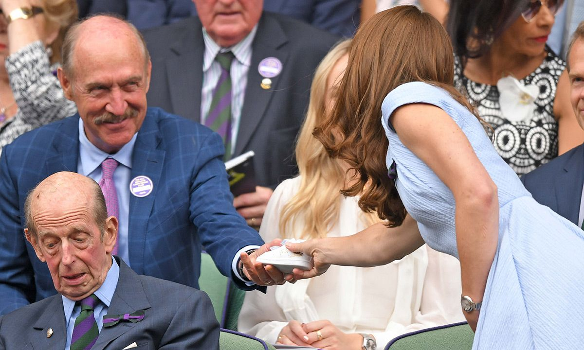 Stan Smith Gifts Prince Louis a Signed Stan Smith During Wimbledon Final