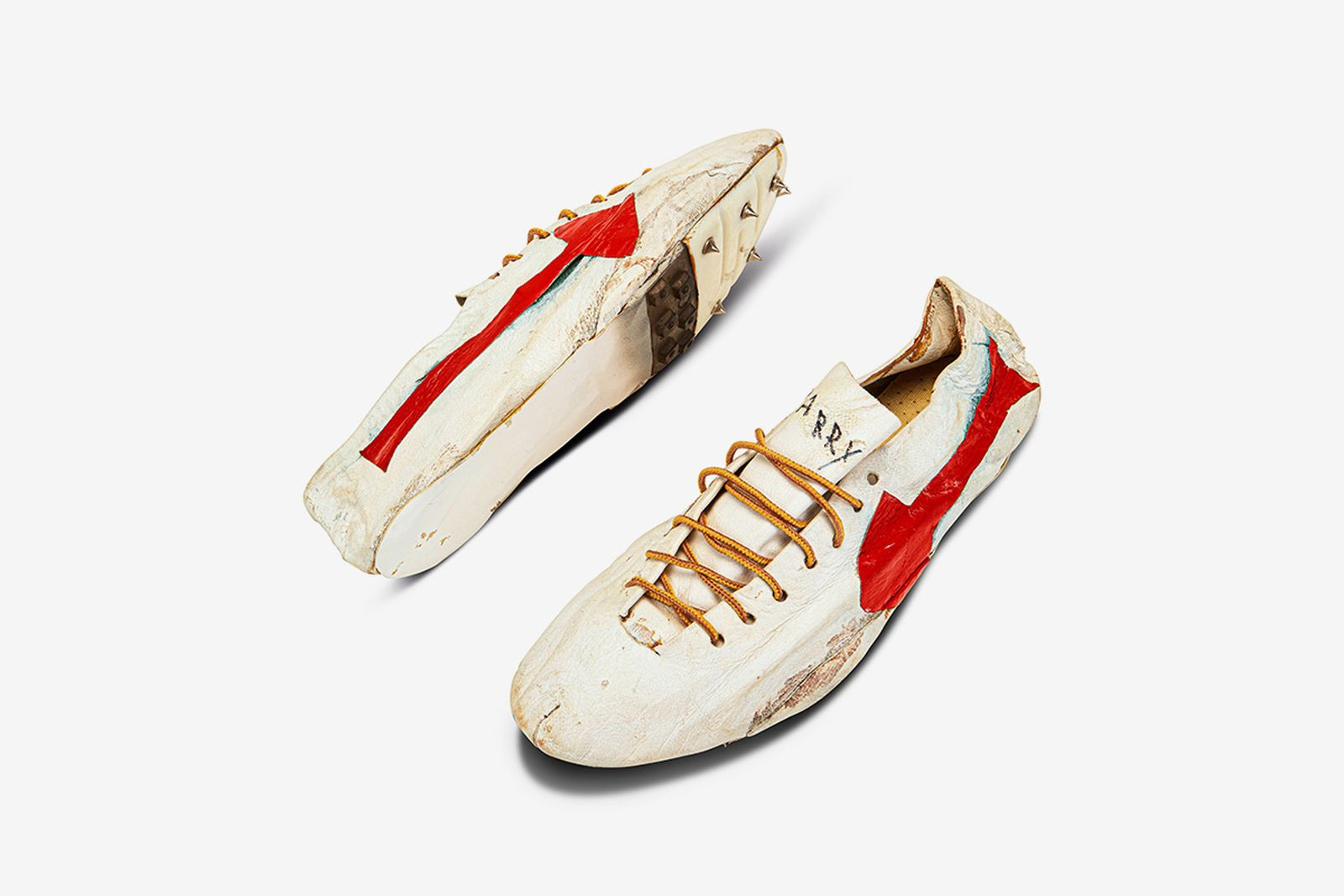 bill-bowerman-track-spikes-sothebys-olympic-auction-03