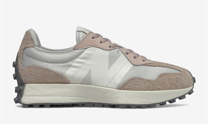New Balance 327 pale pink product shot