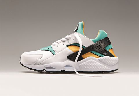 info for 68db4 59236 Some sneaker fans will be very happy about these news – the Nike Air Huarache  OG returns in two colorways for Spring 2013. Still one of the most iconic  ...