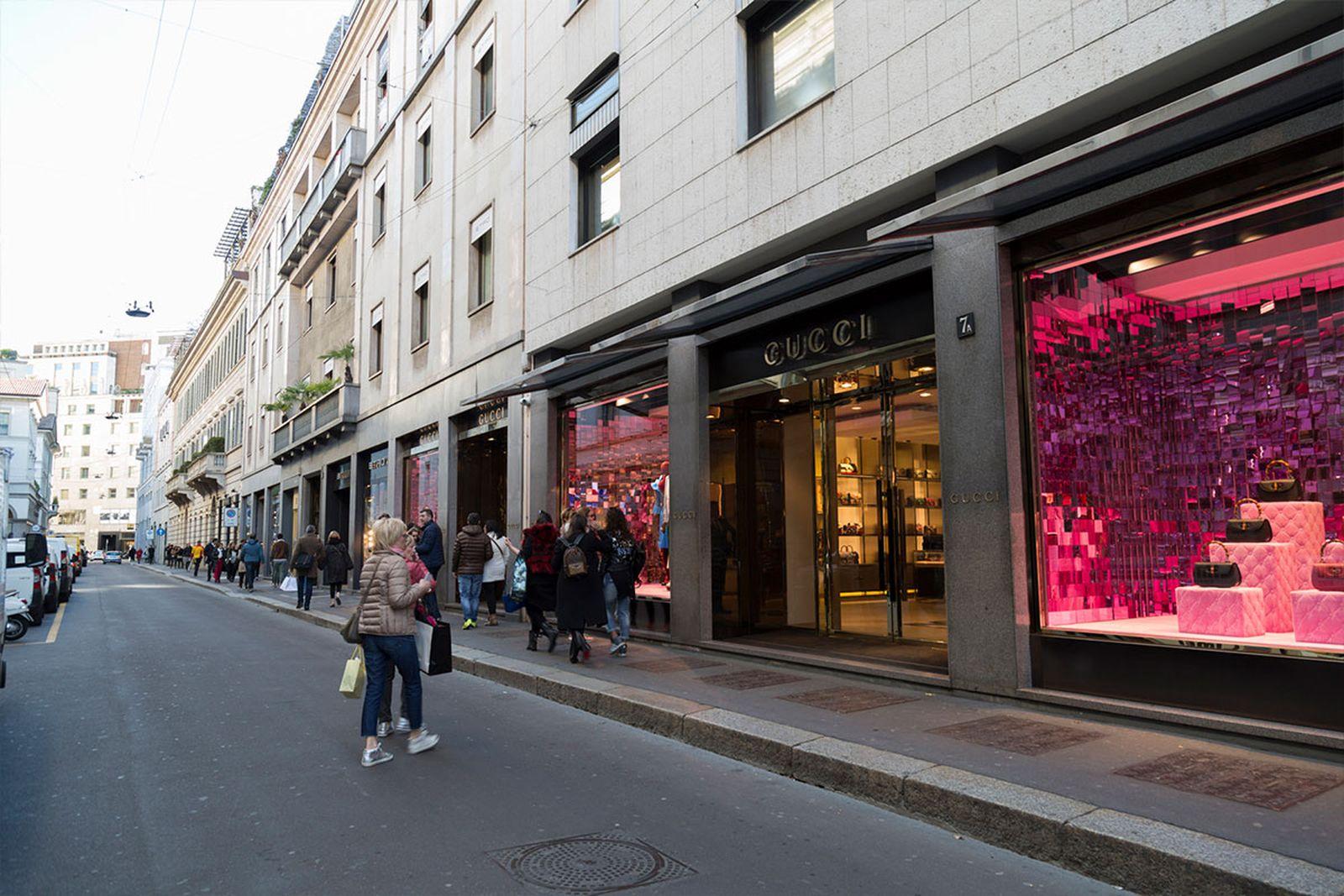 milan-shopping-guide-milan-shopping-guide-quadrilatero-della-moda02