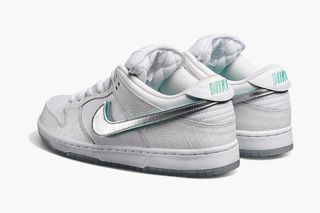 "online store 020b7 22040 Pairs From the New Nike SB ""Diamond"" Dunk Collection Drop Today"