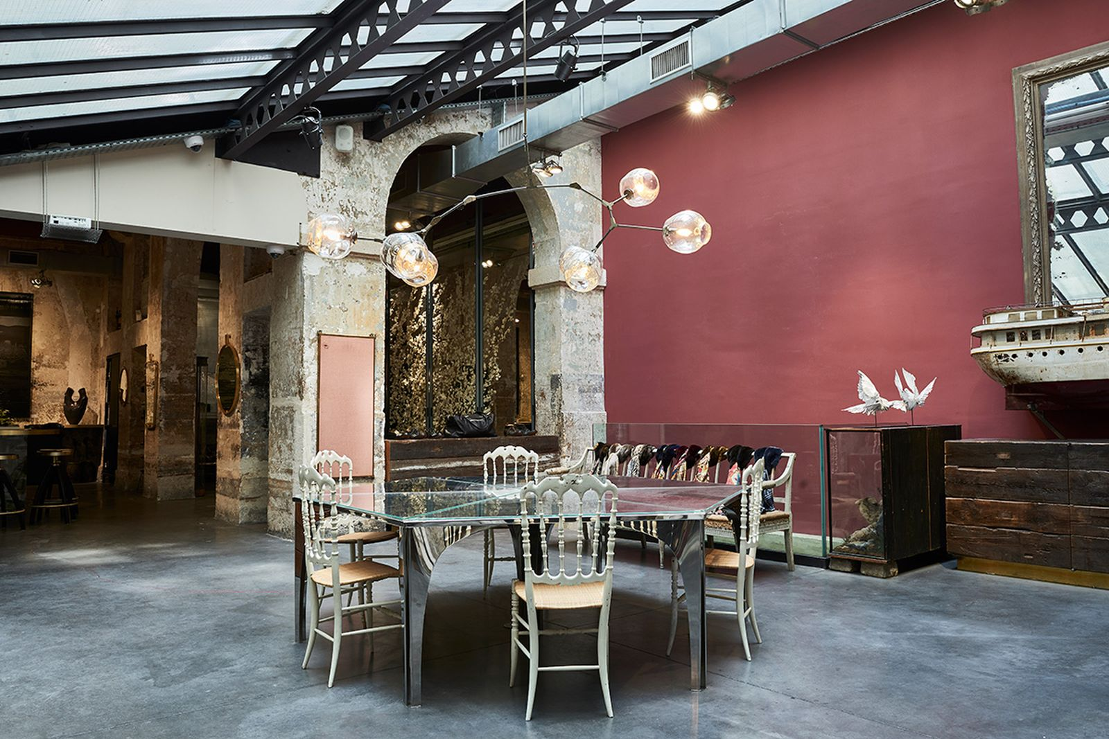game-changers-best-store-interiors-changed-fashion-l'eclaireur-07