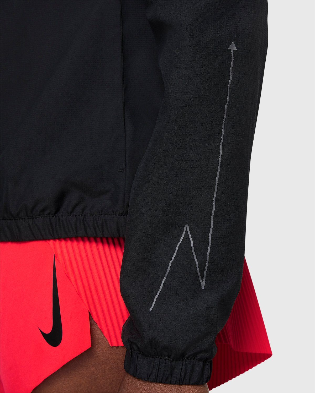 Nike x Highsnobiety – Womens Impossibly Light Berlin Jacket Black - Image 6