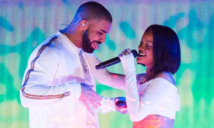 Drake and Rihanna flirting on stage