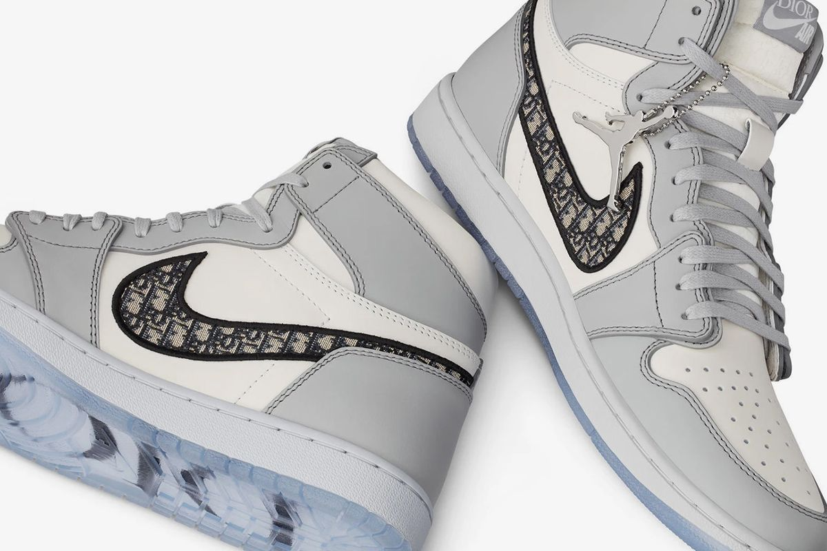 Nike Air Jordan 1 Dior Product Shot
