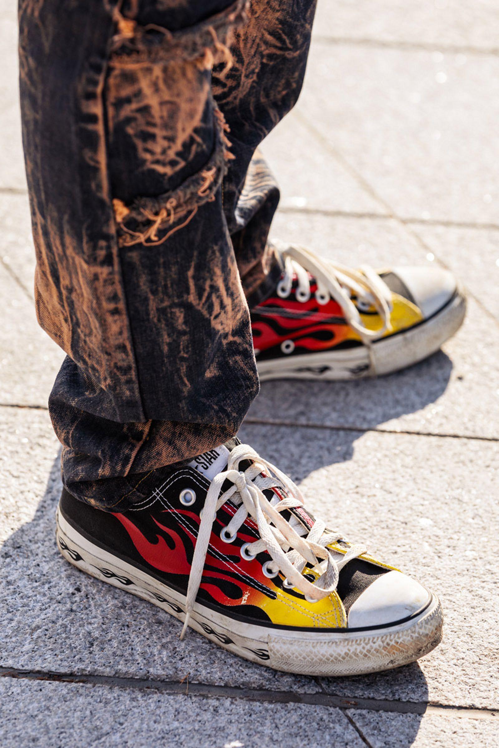 seoul-fashion-week-sneaker-street-style-ss20-9