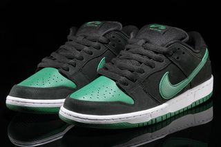 huge discount 6830f 0ed90 Nike SB Dunk Low Pro