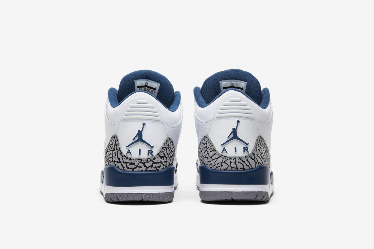 Air Jordan 3 Retro 'True Blue' 2011