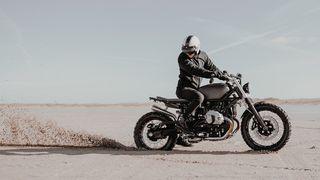 hookie co moto kit bmw