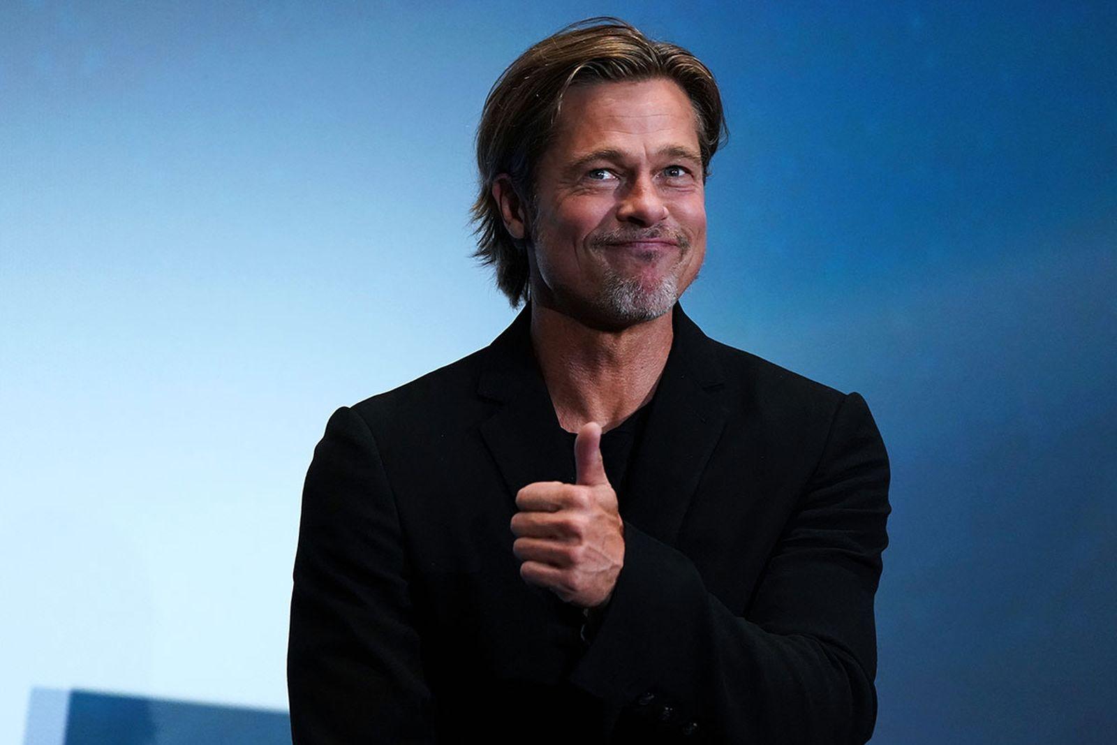 Brad Pitt thumbs up