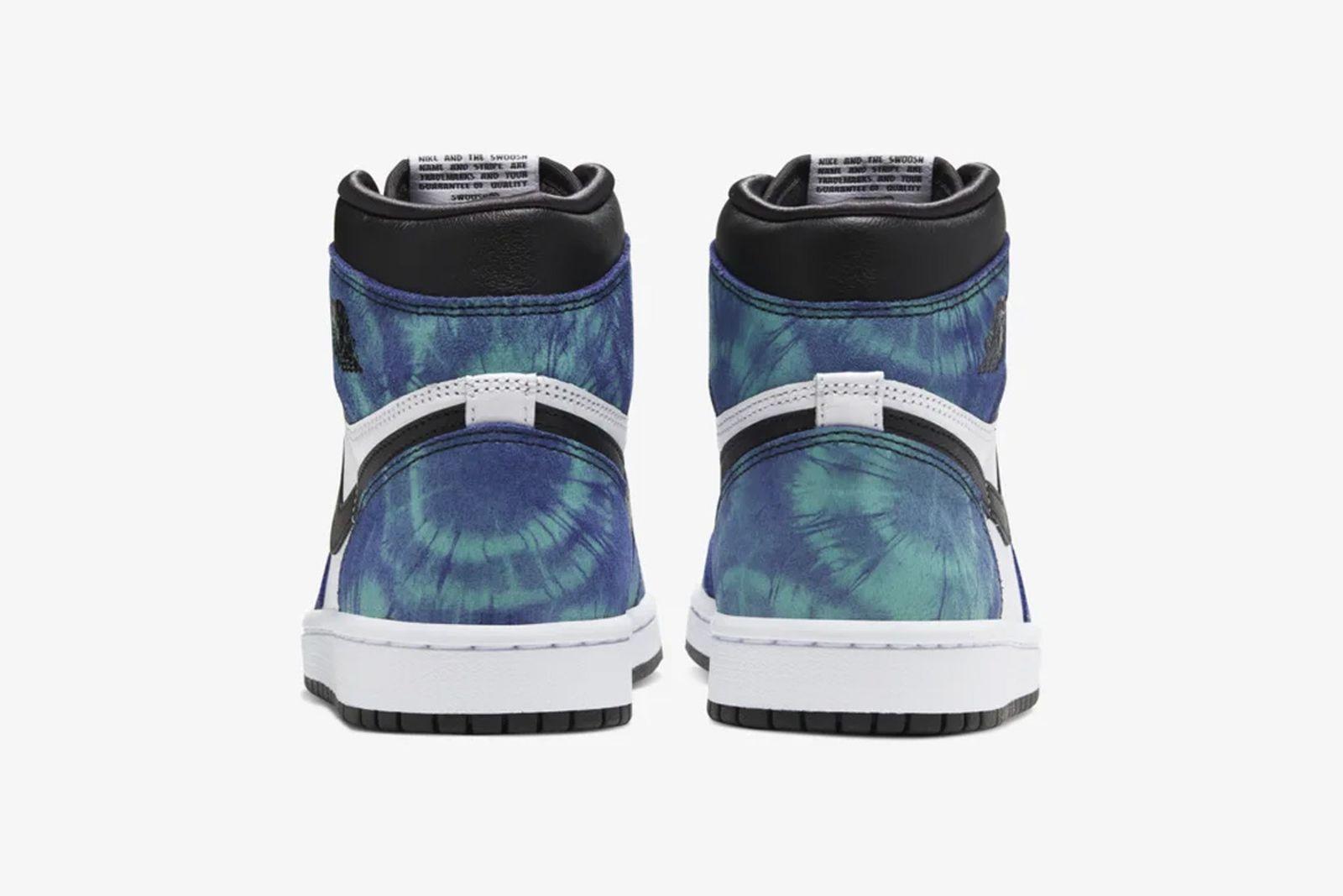 Black and blue tie-dye Nike Air Jordan 1 view from the heel