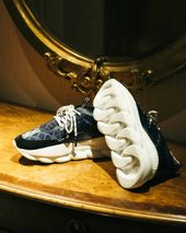 73f6cecf6 UNITED ARROWS   SONS x Versace Chain Reaction  Release Info