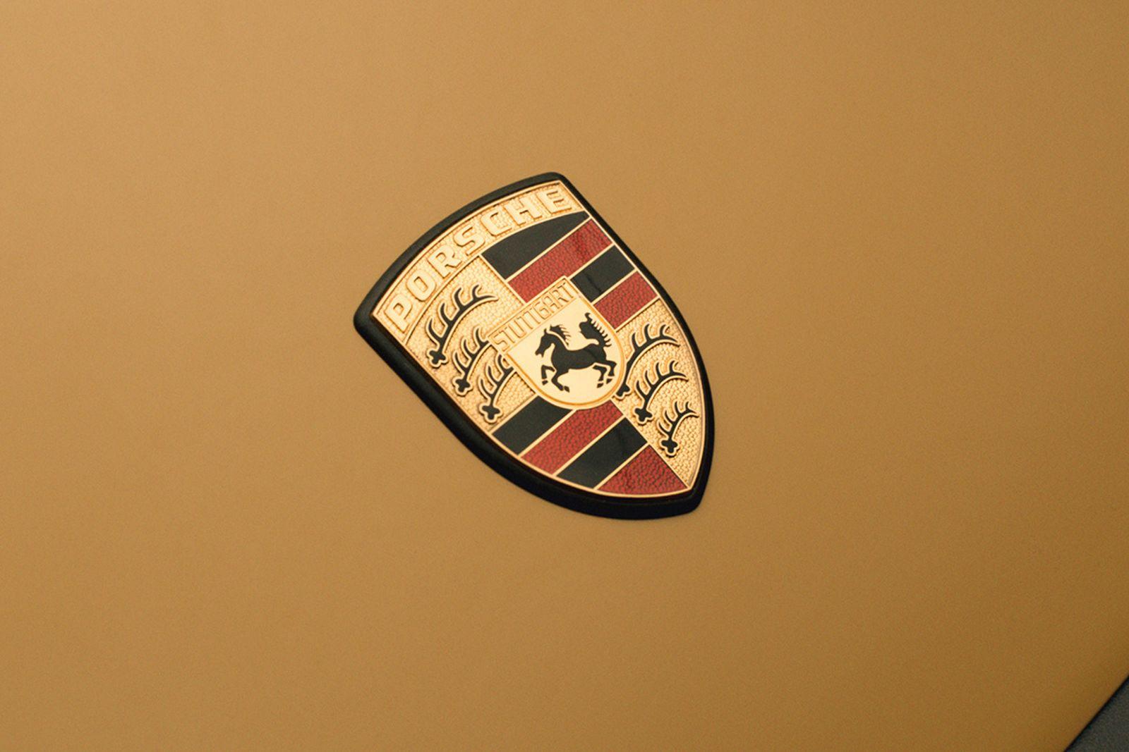 aime-leon-dore-porsche-911sc-campaign-06
