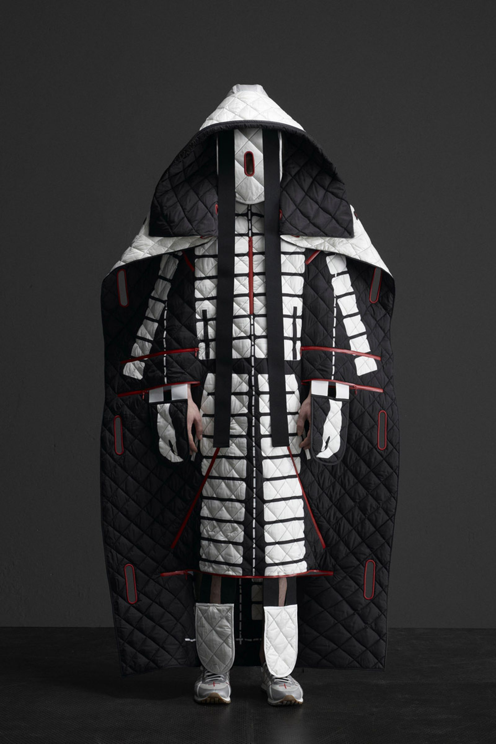 5 MONCLER CRAIG GREEN_COLLECTION IMAGES (3)