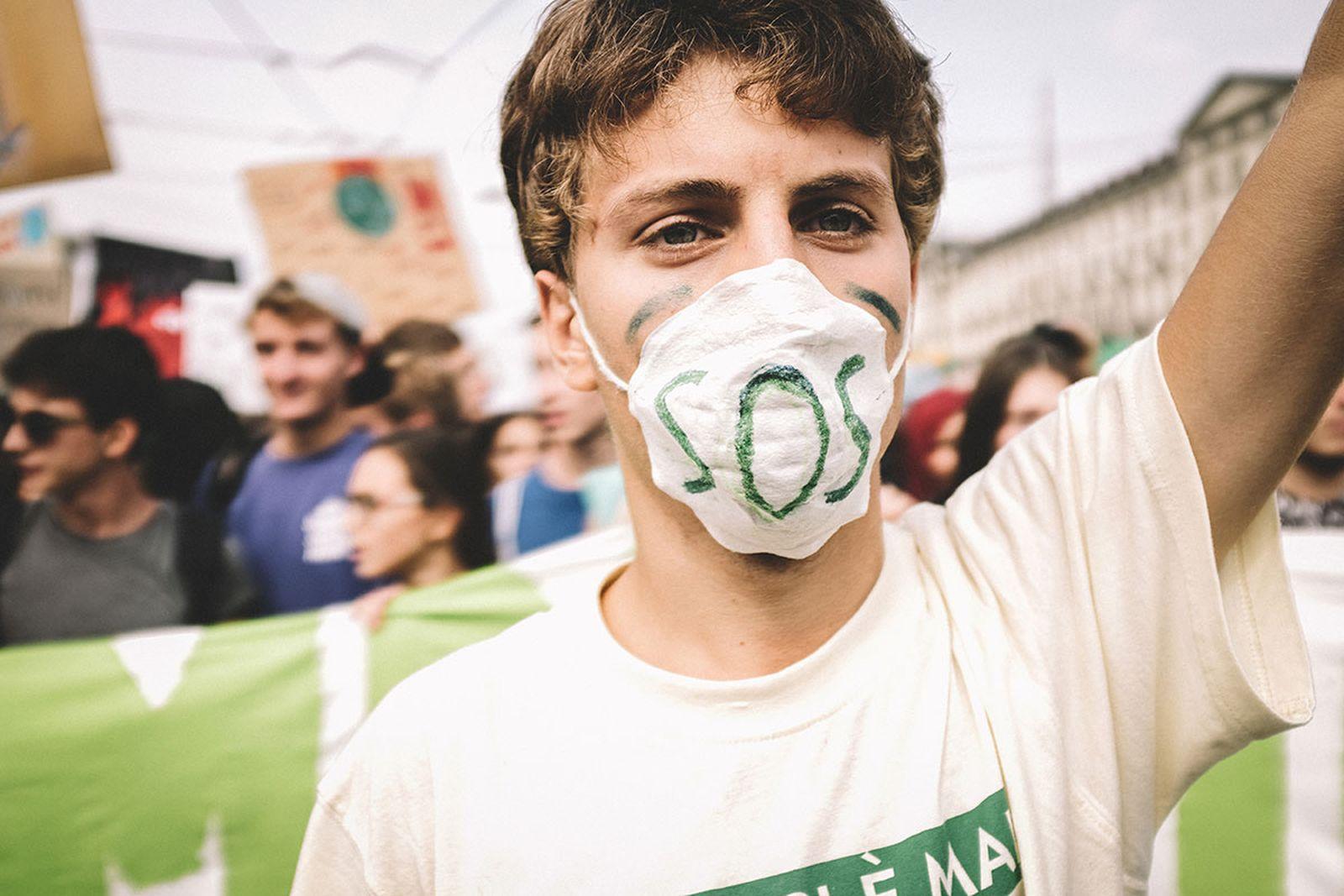 climate-crisis-politics-01