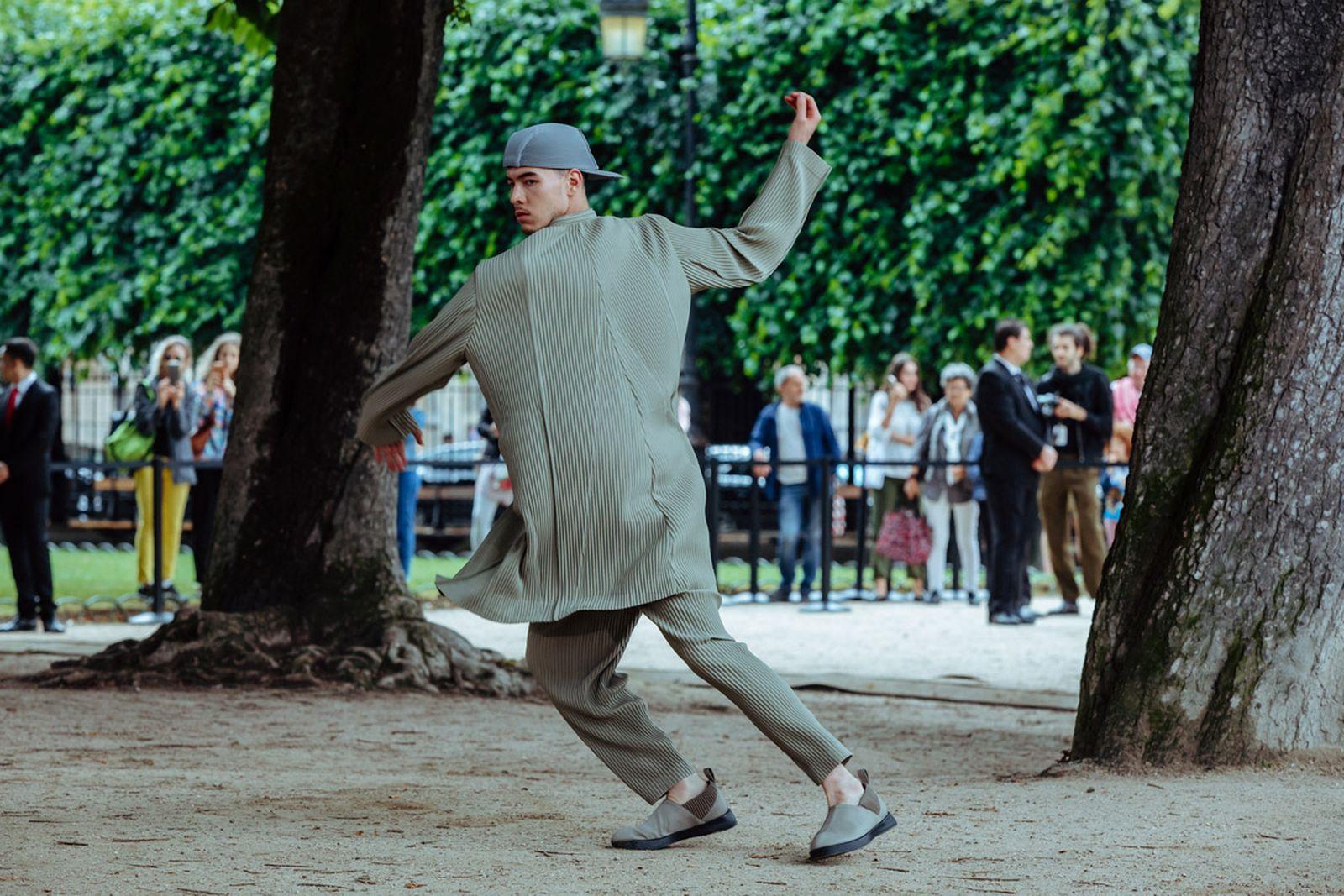 MSS20 Paris IsseyMiyake JulienTell ForWeb 09 Issey Miyake HOMME PLISSÉ paris fashion week runway