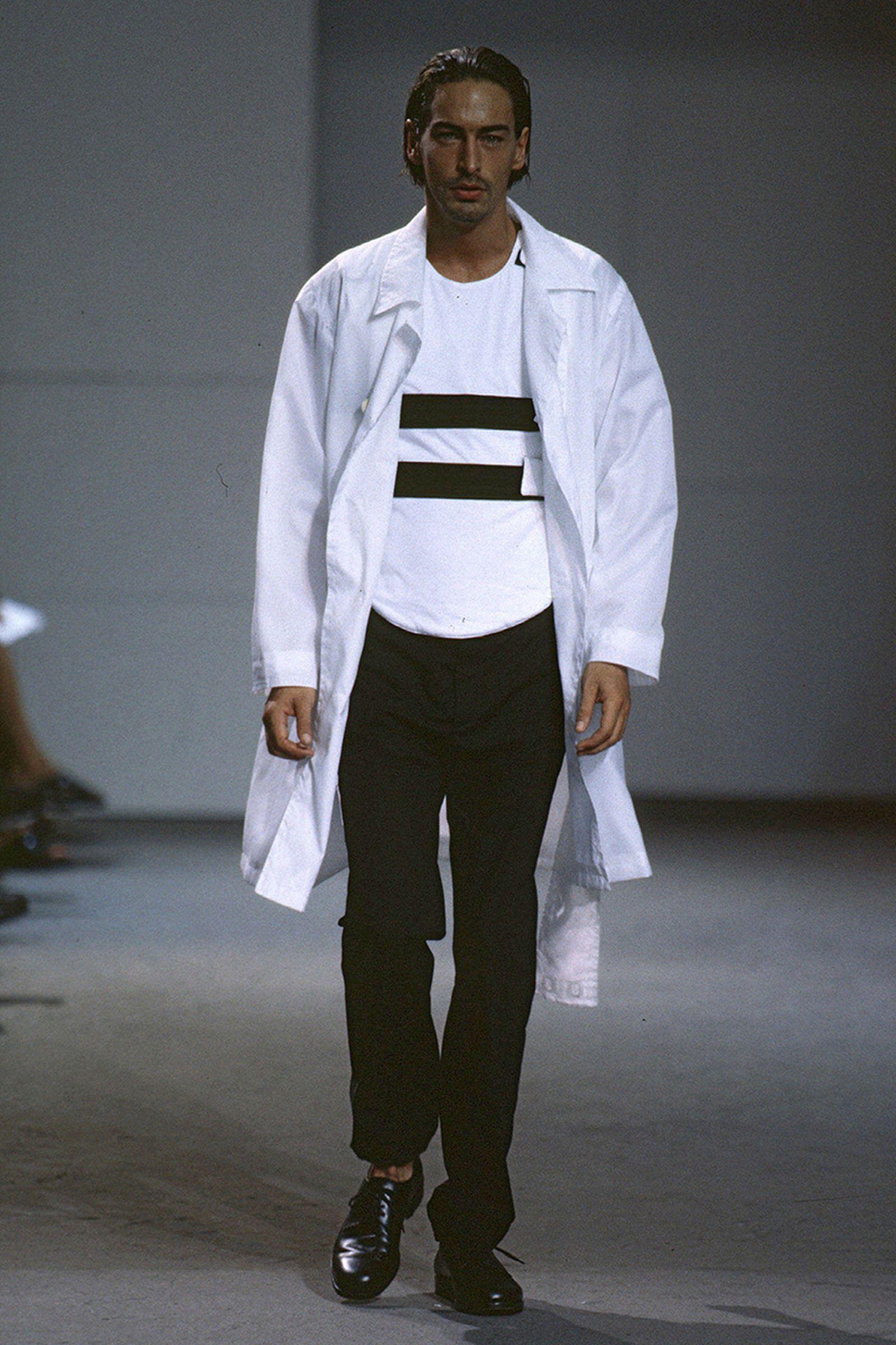 the-12-fashion-shows-that-changed-mens-fashion-010