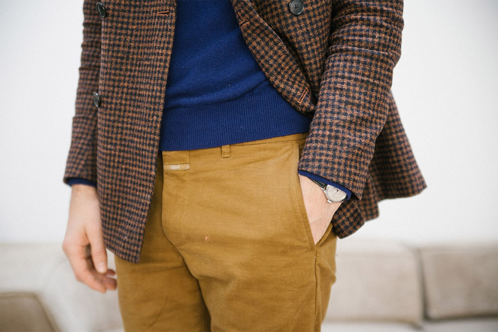closed-men-in-chinos-05