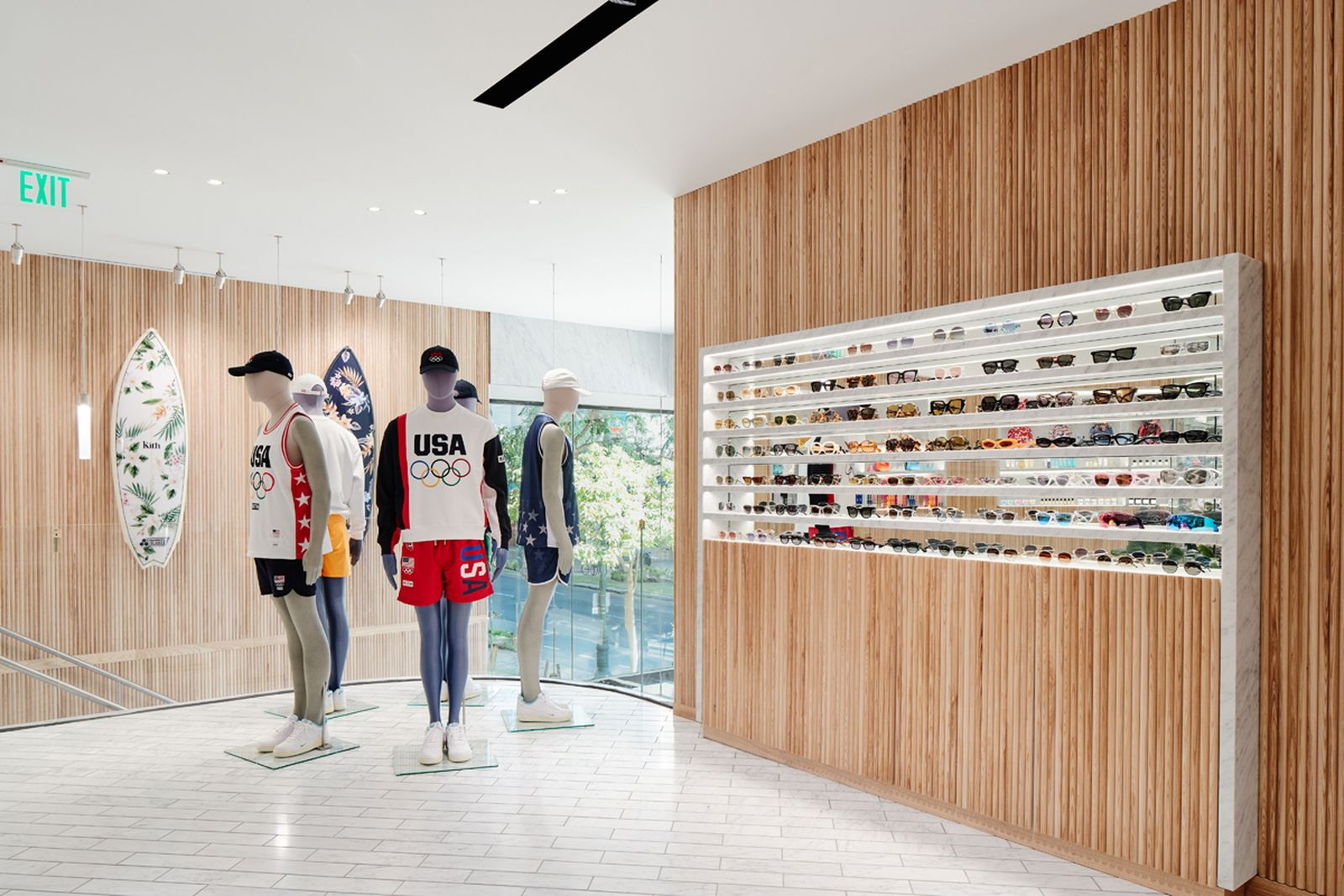 kith-hawaii-store-inside-air-force-1 (13)