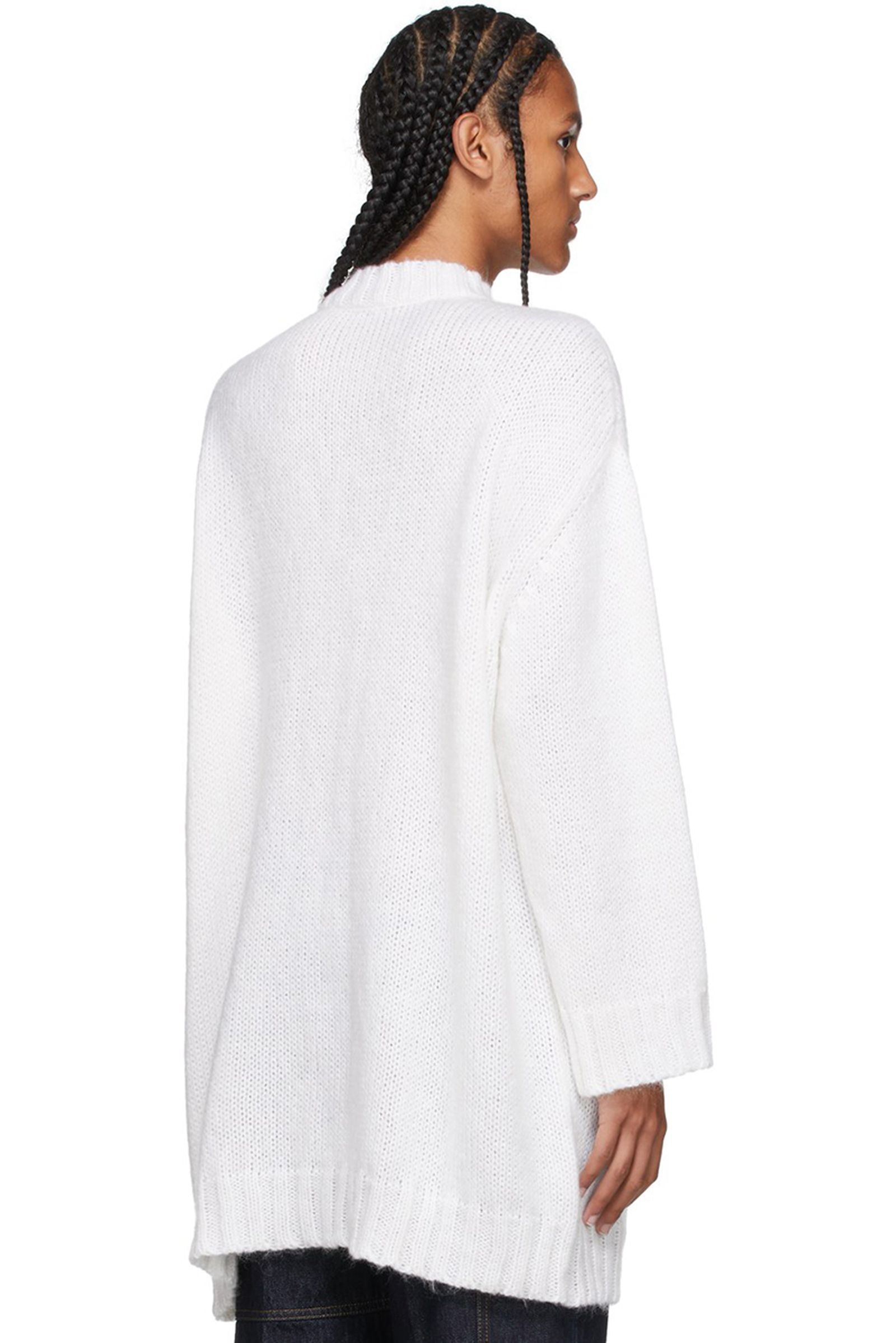 jw-anderson-radish-sweater fw21 (4)