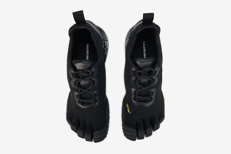 Toe Sneaker