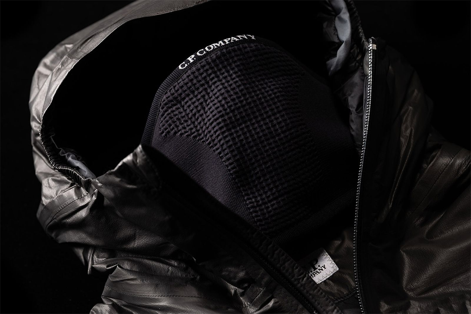 The remastered Metropolis jacket features an integrated face mask to offer essential protection for the urban explorer.