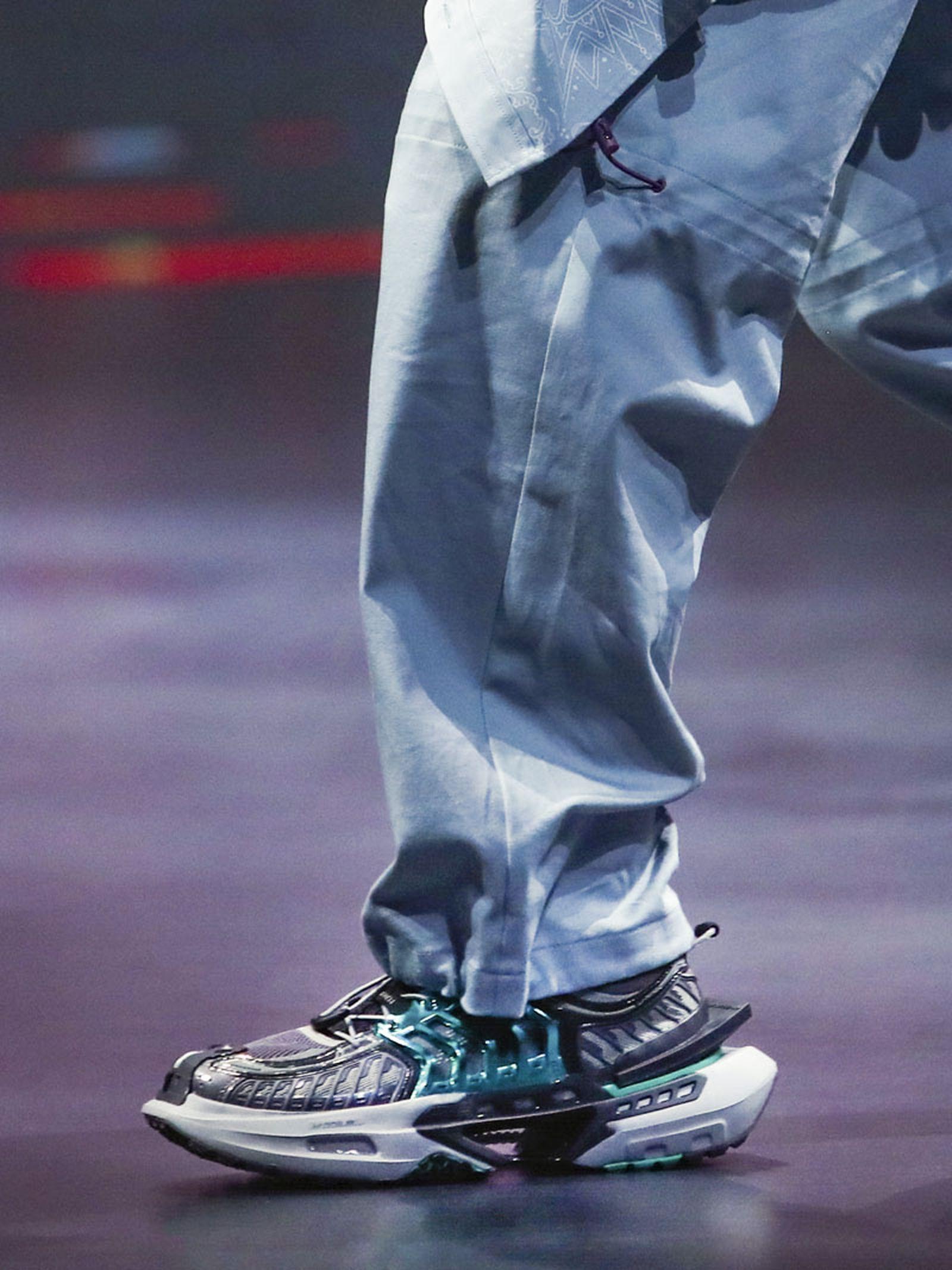 li-ning-ss21-footwear-collection-paris-fashion-week-010