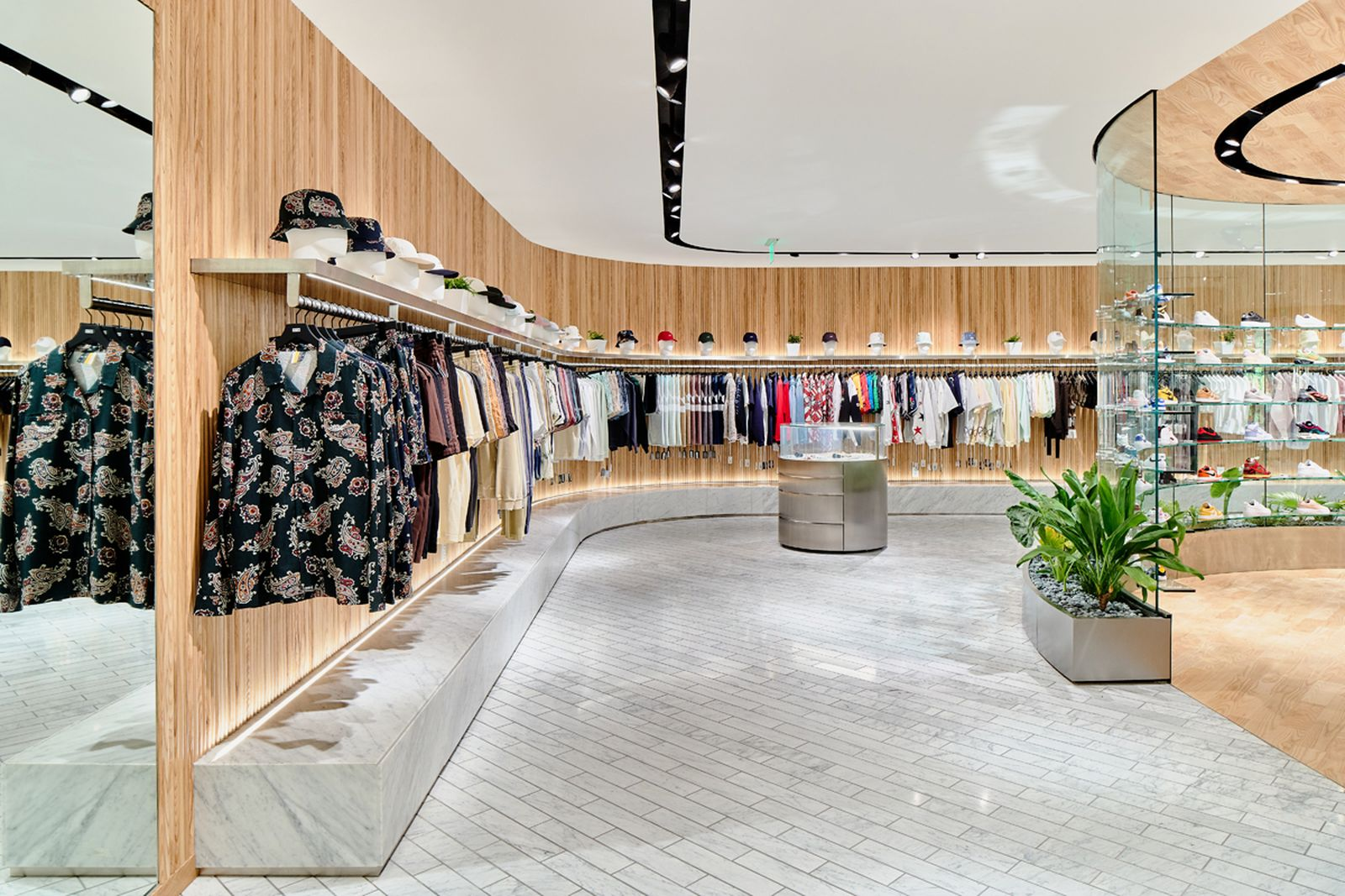 kith-hawaii-store-inside-air-force-1 (15)